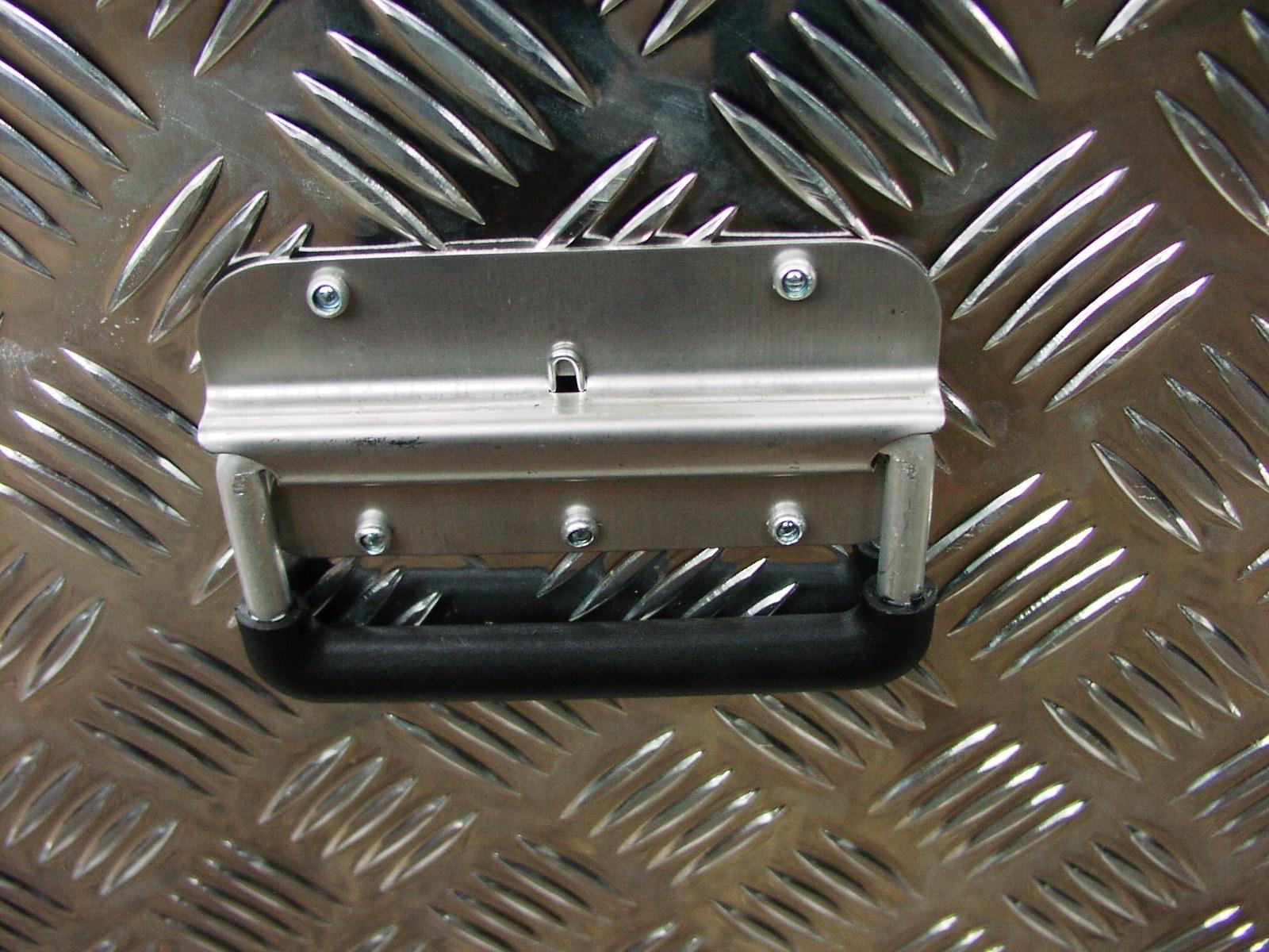 alu riffelblech alubox staubox deichselbox pkw anh nger aluminium werkzeugkasten ebay. Black Bedroom Furniture Sets. Home Design Ideas